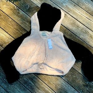 Black&White Fuzzy Urban Outfitters Cropped Hoodie